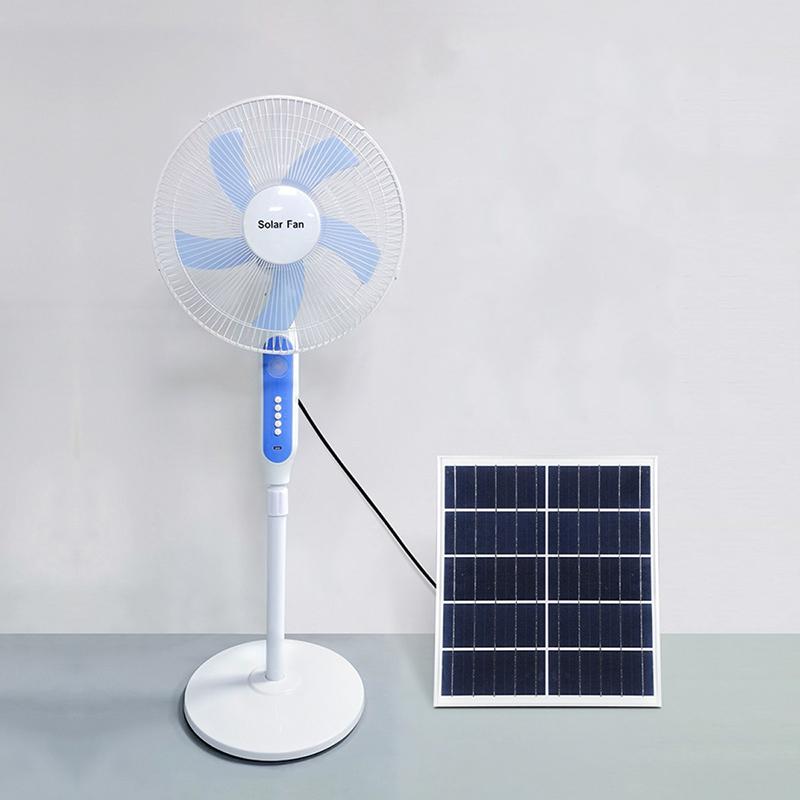Ventilateur solaire sur pied